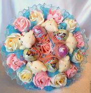 Букеты из шоколадных яиц и игрушек в подарок любимым,  девушке,  маме,  сестре,  коллеге