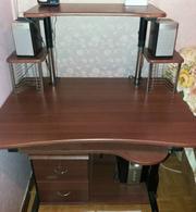 Компьютерный стол и другое.